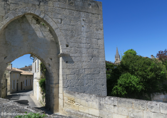 Porte Brunet et les remparts