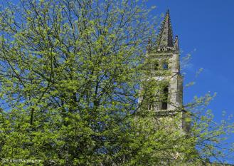 Le clocher de l'église monolithe, visible de partout